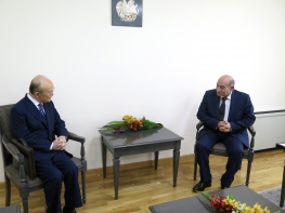 IAEA Director General Yukiya Amano met with Ashot Martirosyan, Chairman of the Armenian Nuclear Regulatory Authority, during his official visit to Armenia. 29 April 2019