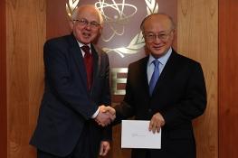 Presentation of credentials of the new Resident Representative of Danemark, H.E. Mr. Torben Brylle, to IAEA Director General Yukiya Amano, IAEA, Vienna, Austria, 25 Janaury 2012.