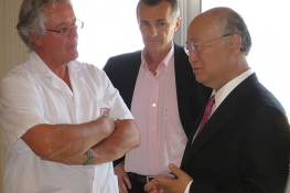IAEA Director General Yukiya Amano paid his first official visit to Monaco from 12-14 July 2010.  Seen here at the Princess Grace Hospital in Monaco, the Director General discussed the Agency's work to combat cancer in low- and middle-income countries with staff from the hospital.  (Photo: D. Sacchetti/IAEA)
