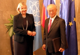 IAEA Director General Yukiya Amano met with  Ms Darja Bavdaž Kuret, State Secretary of the Ministry of Foreign Affairs, on 20 October 2015 during his official visit to Slovenia.