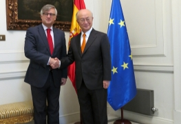 IAEA Director General Yukiya Amano met with Mr Ignacio Ybáñez, Secretary of State at the Ministry of Foreign Affairs, on 26 October 2015 during his official visit to Spain.