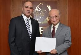 The new Resident Representative of Venezuela, Jesse Alonso Chacón Escamillo, presents his credentials to IAEA Director General Yukiya Amano in Vienna, Austria on 12 January 2016.