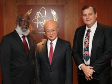 IAEA Director General Yukiya Amano met with Wilfred Peter Elrington, Minister of Foreign Affairs of Belize and Joel M. Nagel, Ambassador, Resident Representative of Belize to the IAEA  at the Agency headquarters in Vienna, Austria. 2 November 2016