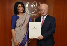 The new Resident Representative of Sri Lanka, Priyanee Wijesekera, presented her credentials to IAEA Director General Yukiya Amano in Vienna, Austria on 12 April 2016.