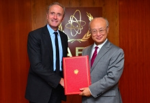 The new Resident Representative of France, Jean-Louis Falconi, presented his credentials to IAEA Director General Yukiya Amano in Vienna, Austria, on 1 September 2016.