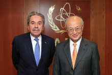 The new Resident Representative of Peru, Fernando Rojas Samanez, presented his credentials to IAEA Director General Yukiya Amano in Vienna, Austria, on 7 November 2016.