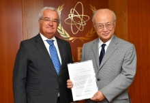 The new Resident Representative of Portugal to the IAEA, António de Almeida Ribeiro, presented his credentials to IAEA Director General Yukiya Amano at the IAEA headquarters  in Vienna, Austria, on 13 September 2017.