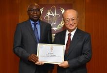 <br>  The new Resident Representative of Togo to the IAEA, Komi Bayedze Dagoh, presented his credentials to IAEA Director General Yukiya Amano at the IAEA headquarters  in Vienna, Austria, on 15 January 2018.  </br>  <br> Le nouveau représentant résident du Togo auprès de l'AIEA, Komi Bayedze Dagoh, a présenté ses lettres de créance au Directeur général de l'AIEA Yukiya Amano au siège de l'AIEA, à Vienne (Autriche), le 15 janvier 2018.  </br>