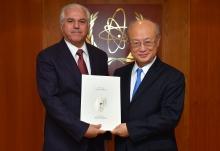 <br> The new Resident Representative of Iraq to the IAEA, Jabir Habeb Jabir Hemaidawi, presented his credentials to IAEA Director General Yukiya Amano at the IAEA headquarters in Vienna, Austria, on 1 March 2018.  </br>  <br> جابر حبيب جابر الحميداوي الممثل المقيم الجديد للعراق لدى الوكالة الدولية للطاقة الذرية، جابر حبيب جابر الحميداوي، يُقدم وثائق اعتماده إلى مدير عام الوكالة السيد يوكيا أمانو في مقرّ الوكالة الرئيسي في فيينا في النمسا، 1 آذار/مارس 2018  </br>