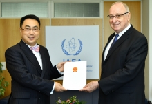 The new Resident Representative of China to the IAEA, HE Mr Wang Qun, presented his credentials to Aldo Malavasi, IAEA Acting Director General, and Head of the Department of Nuclear Sciences and Applications at the IAEA headquarters in Vienna, Austria, on 5 September 2018.