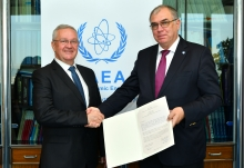 The new Resident Representative of Bosnia and Herzegovina to the IAEA, HE Mr Jugoslav JOVIČIĆ, presented his credentials to Mikhail Chudakov (right), IAEA Acting Director General, and Head of the Department of Nuclear Energy at the IAEA headquarters in Vienna, Austria, on 15 October 2018.