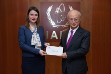 The new Resident Representative of El Salvador, Lucia Rosella Badia de Funes, presented her credentials to IAEA Director General Yukiya Amano at the IAEA headquarters in Vienna, Austria on 20 December 2016.