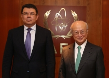 IAEA Director General Yukiya Amano met with Kanat Bozumbayev, Minister of Energy of Kazakhstan, at the IAEA headquarters in Vienna, Austria on 25 May 2017.