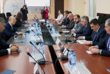 IAEA Director General Yukiya Amano met with Mr Hakob Vardanyan, Acting Minister of Energy Infrastructures and Natural Resources and staff from the Ministry and the Nuclear Power Plant during his official visit to Yerevan, Armenia on 29 April 2019.