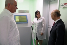IAEA Director General Yukiya Amano (right) visited the Center of Medical-Surgical Research (CIMEQ) where he met with the Center's Director Roberto Castellanos Gutiérrez (left), during his official visit to Havana, Cuba, 17 May 2019.