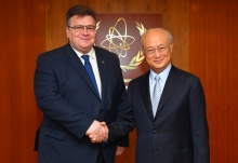 IAEA Director General Yukiya Amano met with Linas Linkevičius, Minister of Foreign Affairs of Lithuania, at the IAEA headquarters in Vienna, Austria on 4 April 2017.
