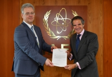 Rafael Mariano Grossi, IAEA Director General, receives the Letter of Gratitude to the IAEA regarding the technical assistance to fight COVID-19 provided by the Agency coming from HE Mr. Dmytro Kuleba, Minister for Foreign Affairs of Ukraine, delivered by HE Mr Yevhenii Tsymbaliuk, Resident Representative of Ukraine to the IAEA during his official visit to the Agency headquarters in Vienna, Austria. 29 July 2020