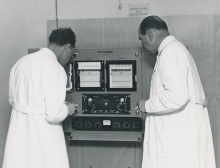 IAEA laboratory, Vienna.  Dr. Otto Suschnys (left), Professor Alexandre Sanielevici, (right), of the Division of Research and Laboratories.  2 February 1960.  Please credit IAEA
