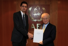 The new Resident Representative of Morocco, Lotfi Bouchaara, presented his credentials to IAEA Director General Yukiya Amano in Vienna, Austria, on 16 November 2016.