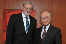 Visit of Mr. Gareth Evans, Co-Chair, International Commission on Nuclear Non-proliferation and Disarmament (ICNND), to IAEA Director General Yukiya Amano, IAEA, Vienna, Austria, 5 March 2010.