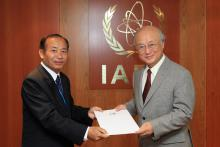 Presentation of credentials by the new Resident Representative of Lao People's Democratic Republic, Mr Phoukhao Phommavongsa to IAEA Director General Yukiya Amano. IAEA, Vienna, Austria, 12 August 2014.