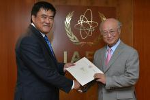 Presentation of credentials by the new Resident Representative of Brunei Darussalam, Mr Abu Sufian Haji Alito to IAEA Director General Yukiya Amano. Vienna, Austria, 27 August 2014.