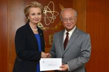 Presentation of credentials by the new Resident Representative of El Salvador, Ms Carmen Maria Gallardo Hernández to IAEA Director General Yukiya Amano. Vienna, Austria, 9 October 2014.