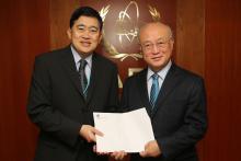 Presentation of credentials by the new Resident Representative of Thailand, Mr Arthayudh Srisamoot to IAEA Director General Yukiya Amano. IAEA, Vienna, Austria, 28 November 2014.