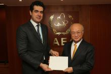 Presentation of credentials by the new Resident Representative of Hungary, Mr Károly Dán to IAEA Director General Yukiya Amano. IAEA, Vienna, Austria, 11 December 2014.