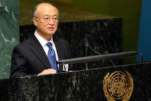 IAEA Director General Yukiya Amano presents the Agency's 2009 Annual Report to the United Nations General Assembly, 8 November 2010. (Photo: D. Berkowitz/UN, New York)