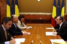 IAEA Director General Yukiya Amano met the Romanian Prime Minister, Emil Boc, at Victoria Palace, Bucharest, Romania, 18 May 2010. (Photo: Office of the Prime Minister of Romania)