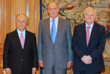 King Juan Carlos of Spain, the Spanish Foreign Minister, Miguel Angel Moratinos, and IAEA Director General Yukiya Amano following their meeting at the Zarzuela Palace, Madrid, Spain, 29 June 2010. (Photo: Spanish Mission)