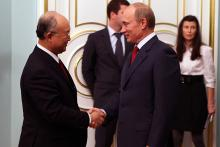 IAEA Director General Yukiya Amano met the Russian Prime Minsiter, Vladimir Putin, during his three-day official visit to the Russian Federation, 25 October 2010.