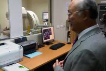 IAEA Director General Yukiya Amano at Cancer Treatment Center in Viet Nam. 4 October 2011