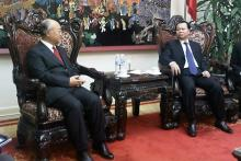 IAEA Director General Yukiya Amano meets Vietnamese Deputy Prime Minister, Vu Van Ninh. 3 October 2011.
