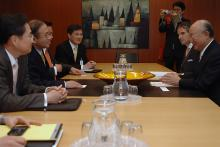 Mr. Lim Sung-nam, Special Representative for Korean Peninsula Peace and Security Affairs, met IAEA Director General Yukiya Amano at the Agency Headquarters in Vienna, Austria, 14 November 2011.