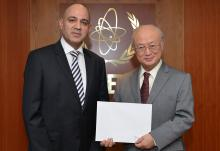 The new Resident Representative of Venezuela, Jesse Alonso Chacón Escamillo, presents his credentials to IAEA Director General Yukiya Amano in Vienna, Austria on 12 January 2016.