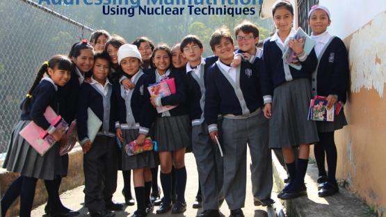 Using nuclear techniques to address the double burden of malnutrition in children in Latin America and the Caribbean.  <br><br> Uso de técnicas nucleares para abordar la doble carga de malnutrición en niños en Latino América y el Caribe.