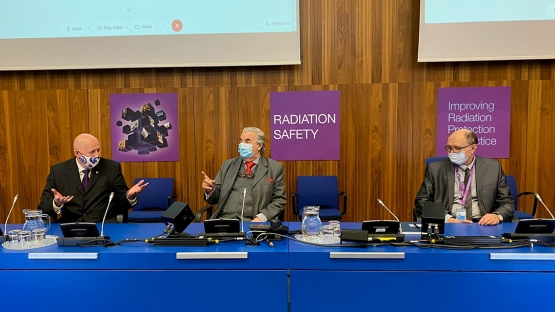 Tony Colgan, Scientific Secretary of the Conference and IAEA Head of Radiation Protection Unit with the keynote speaker, Mr Abel Gonzalez from Argentina and Mr Miroslav Pinak, IAEA Head of the Radiation Safety and Monitoring Section at the opening session